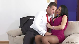Sultry MILF Jasmine Jae gets all dolled up approximately talk a lover