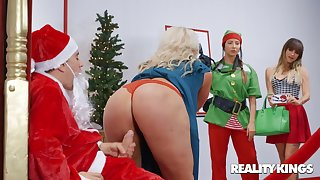 The Naughtiest Little Santa Claus - Jordi el Nino Polla dicking fat arse mom Alura TNT Jenson