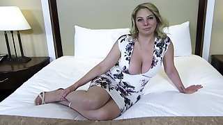 Chubby aggravation with an increment of titties blonde MILF