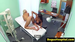 Bigtit patient fingerfucking nurses pussy