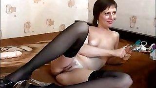 Naughty Mature Cam Babe Enjoys Her Dildos