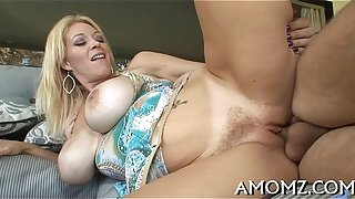 Wicked mama rides to receive orgasm