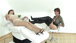 Unfaithful english milf lady sonia flashes her large special