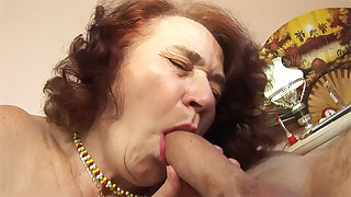 chubby mom fucked by their way hairdresser