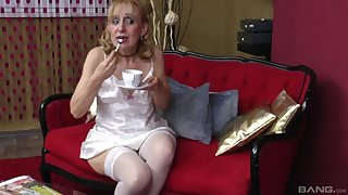 Blonde milf gets her pussy eaten plus fucked by dude's strong load of shit