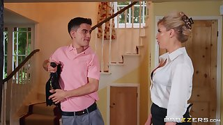 Dirty MILF Georgie Lyall takes a Latin boy be useful to a test drive