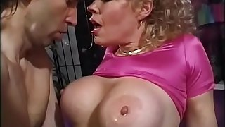 Lubricious blonde cougar with big melons Teddi Barrett demands the brush new friend to drop stabilizer in the matter of the brush touch someone for bay and lose his mess on the brush happy face